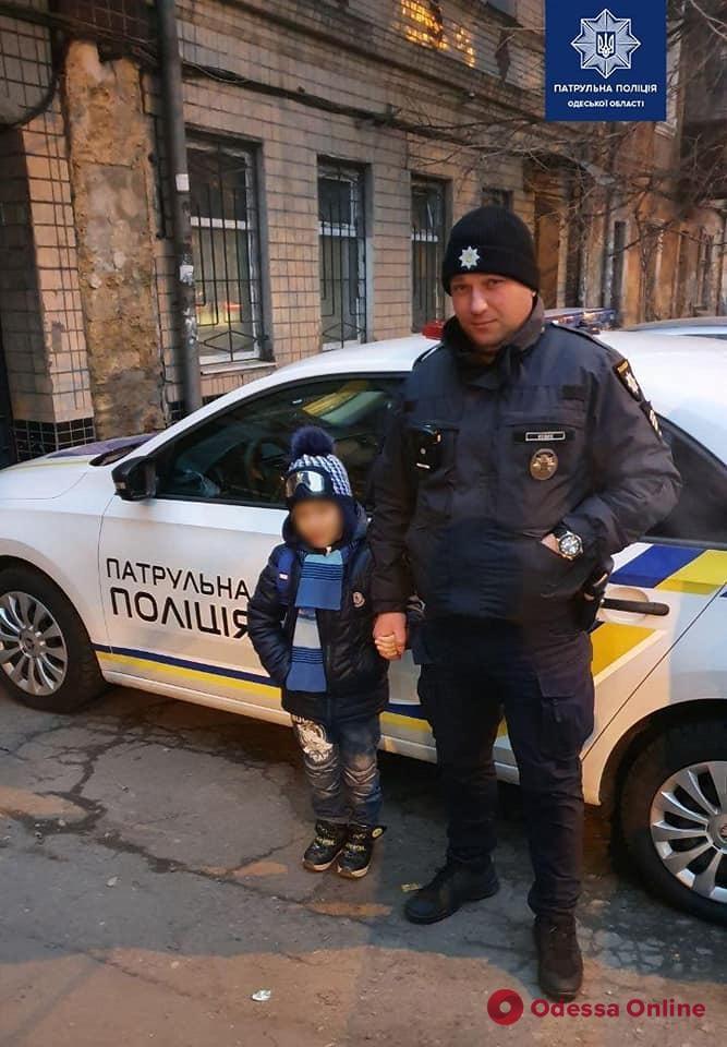 В Одессе пьяная мать забыла, где оставила 8-летнего сына