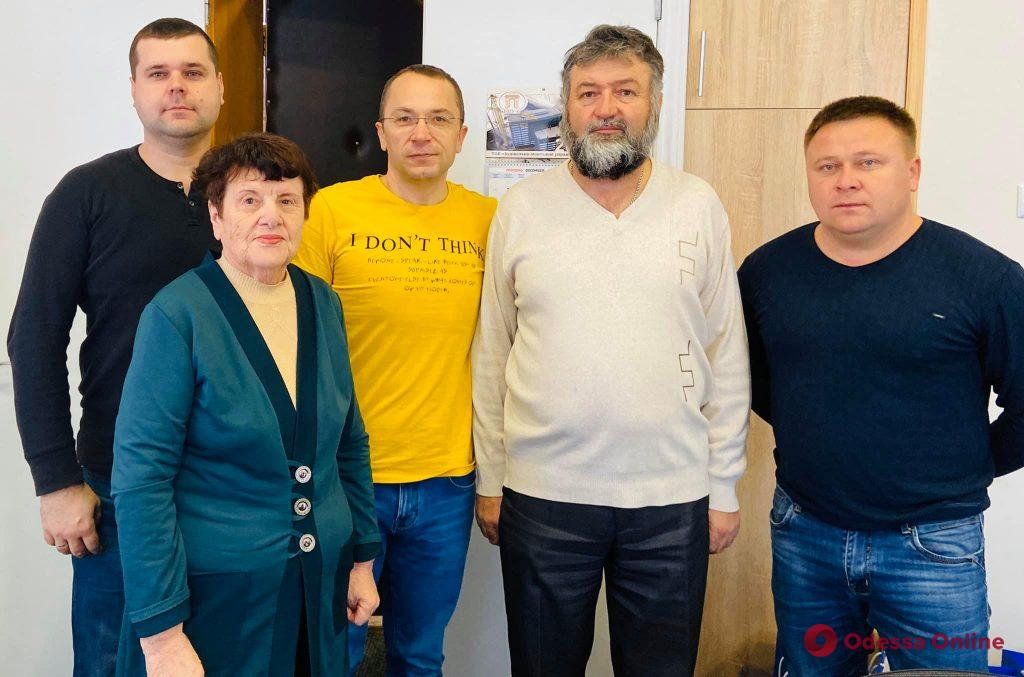 На свалке в Одесской области нашли немалую сумму денег – у них сразу нашлось много «хозяев»