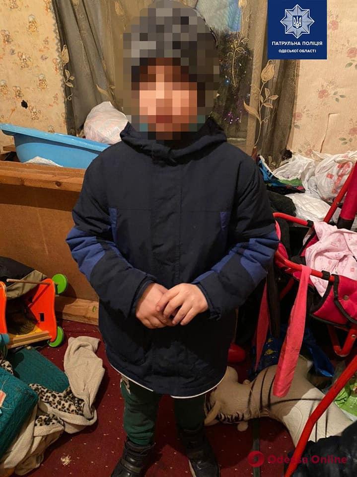 Патрульные вернули одесситке потерявшегося 8-летнего сына