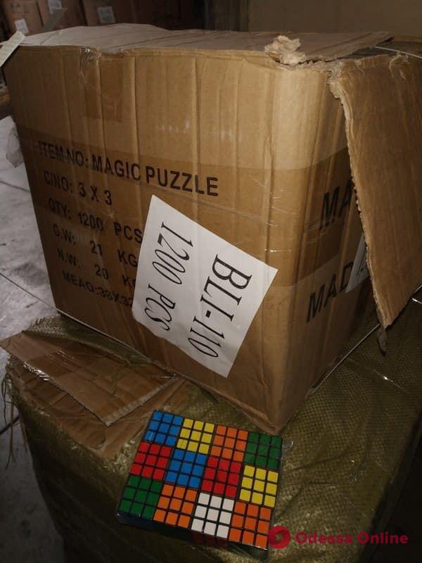 Одесские таможенники нашли контрабандные кубики Рубика на 3 миллиона