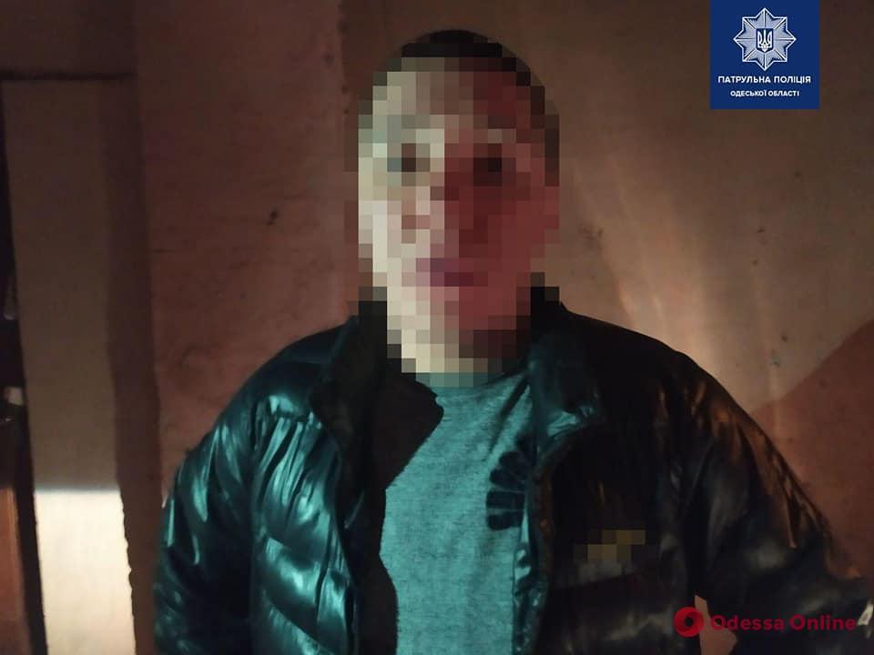 На Молдаванке одессит помог патрульным задержать двух грабителей