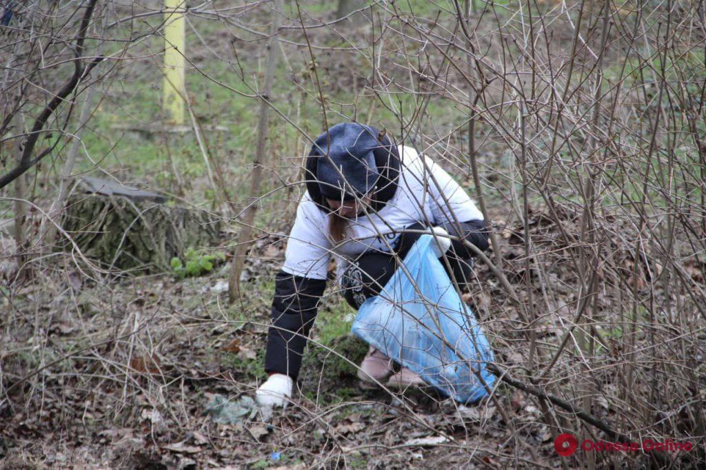 В районе Ланжерона установили баки для раздельного сбора мусора (фото)
