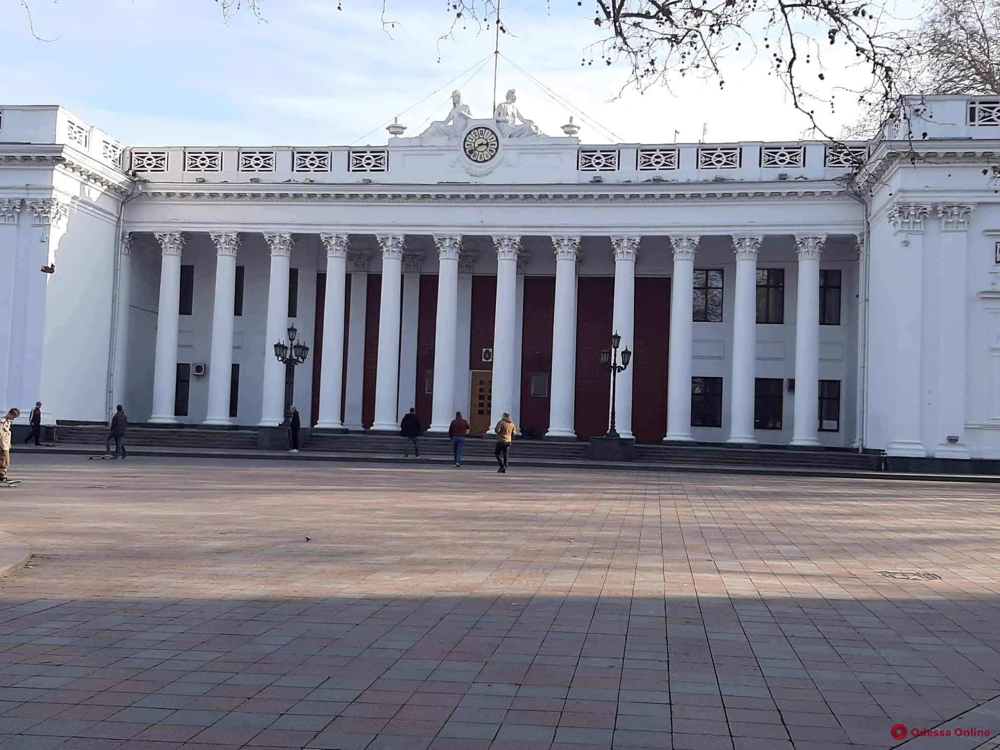 Мэр Одессы обратится в Минздрав по поводу ситуации с лабораторией противочумного НИИ