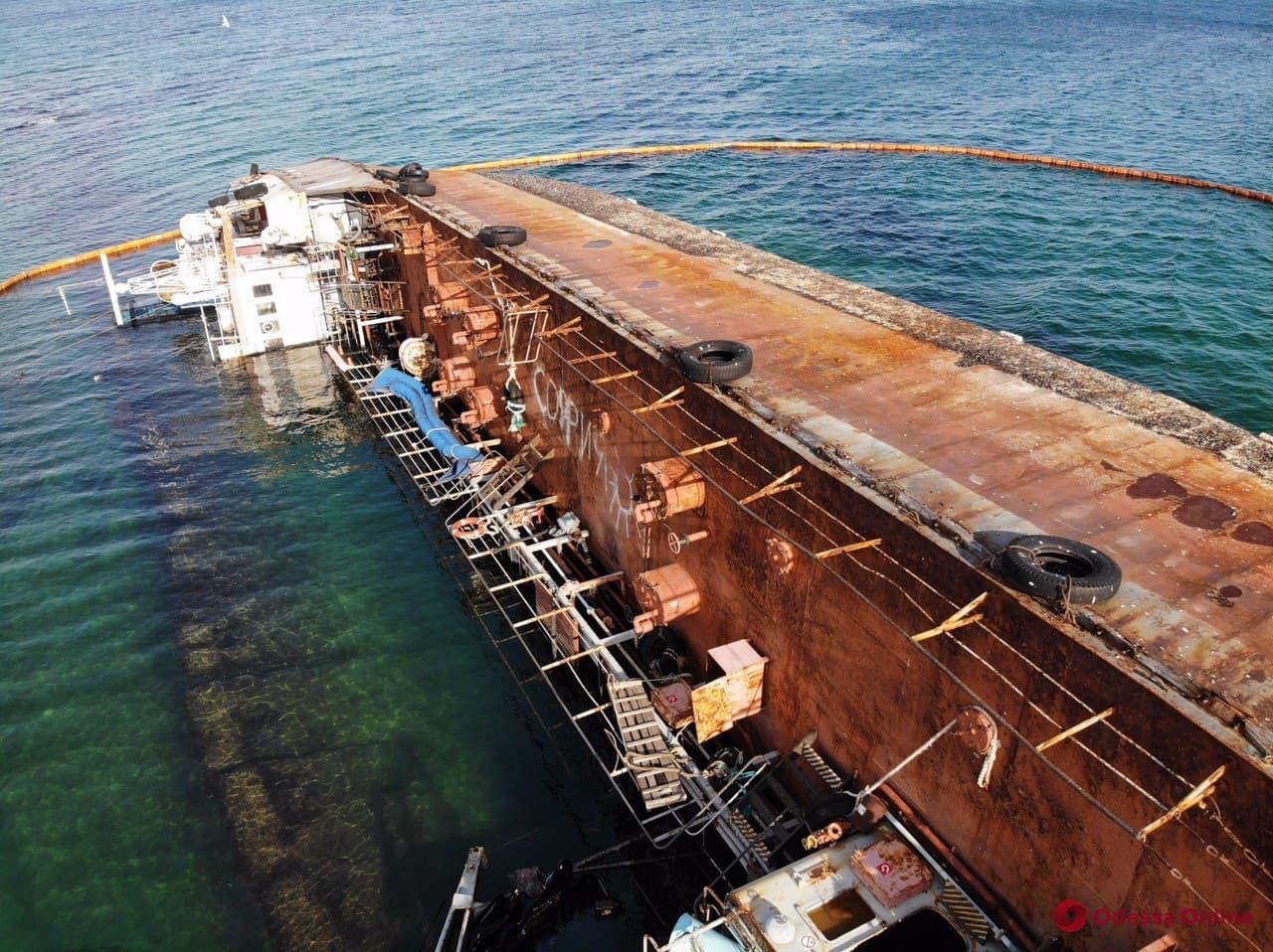 Крушение танкера Delfi: в Госэкоинспекции назвали новую сумму ущерба