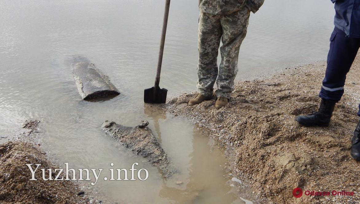 На пляже в Южном нашли авиационную бомбу