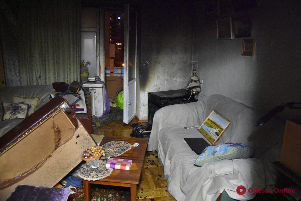 В одесской многоэтажке произошел пожар из-за телевизора