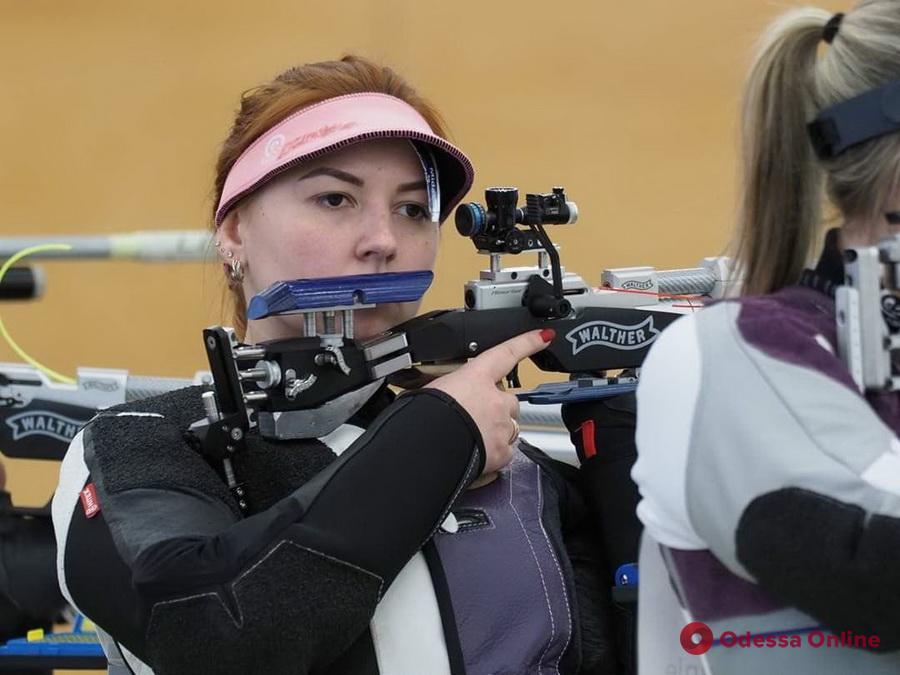 Три медали и рекорд: одесситка удачно выступила на чемпионате Украины по пулевой стрельбе