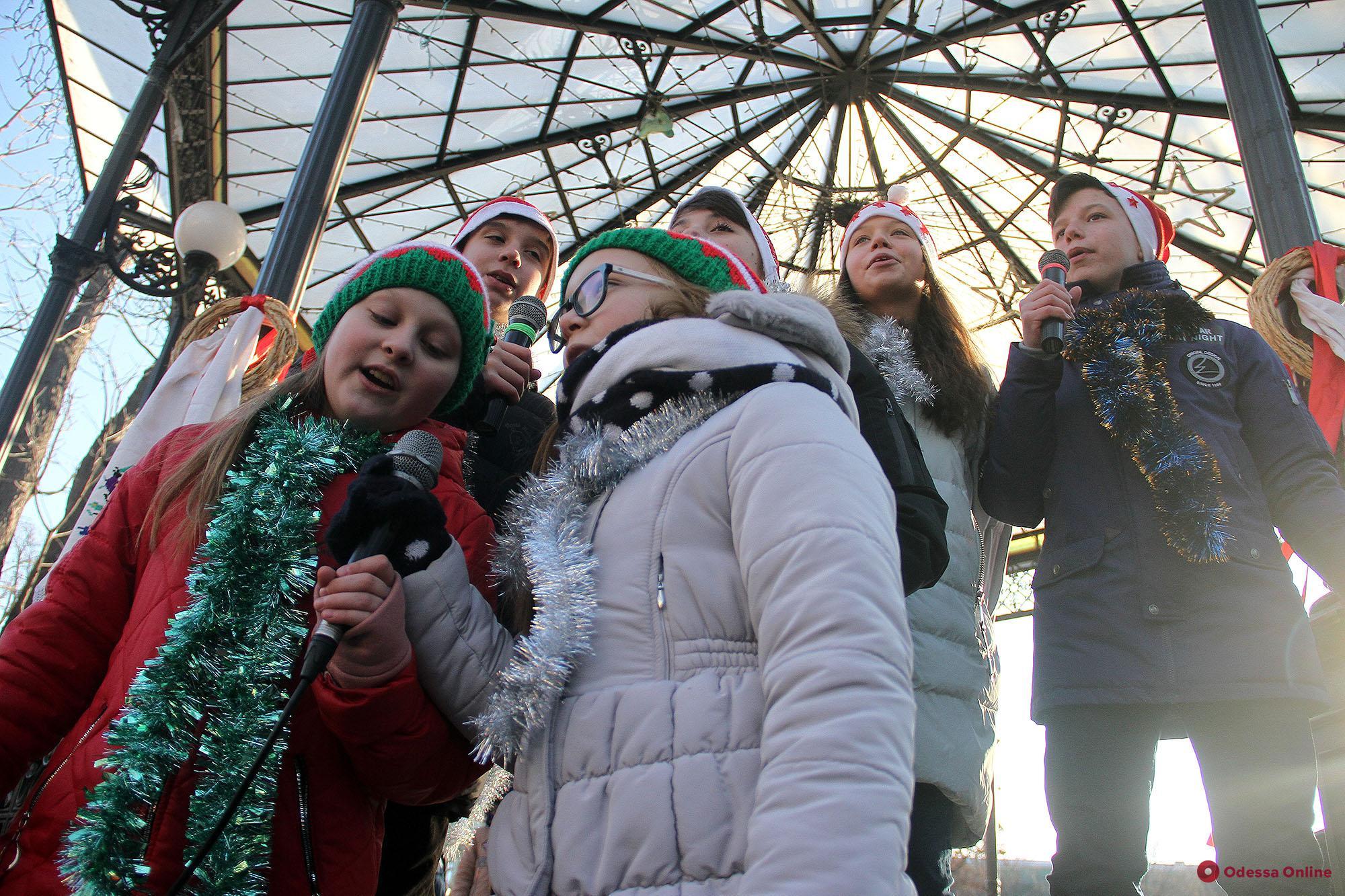В одесском Горсаду проходит рождественский фестиваль (фото)