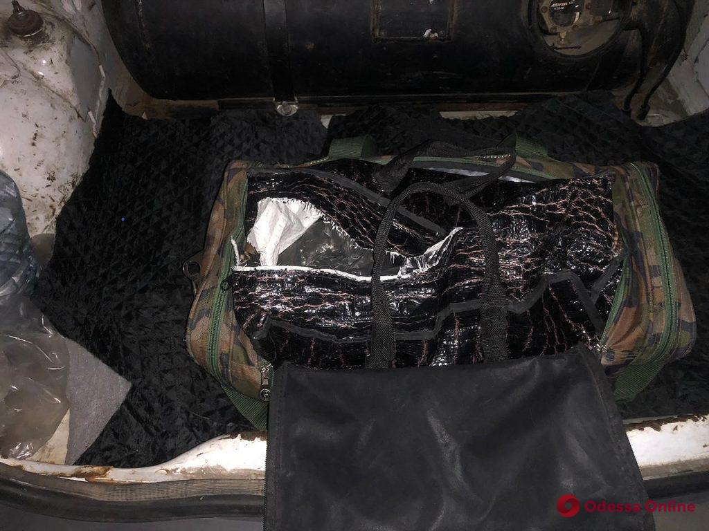 Иностранцы пытались провезти в Одесскую область 15 килограммов амфетамина (фото, видео)
