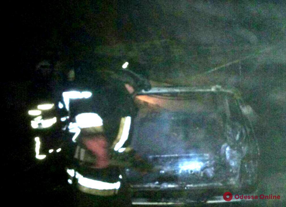 В Одесской области сгорел гараж с автомобилем