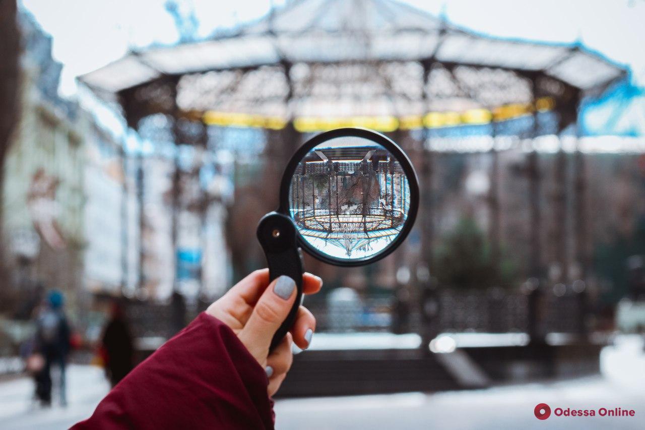 С ног на голову: нетривиальный взгляд на одесские достопримечательности (фоторепортаж)