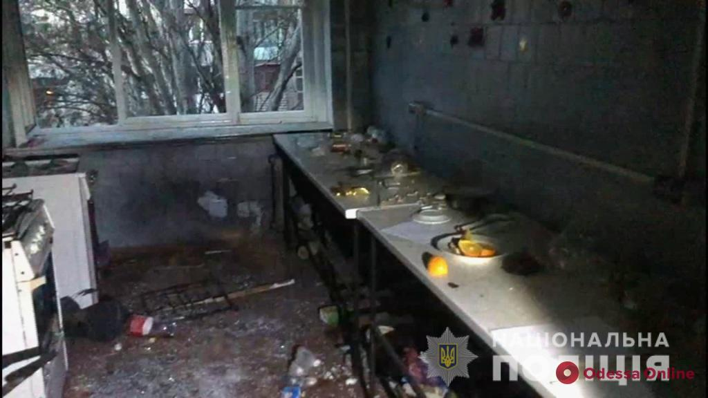 В одесском общежитии произошел взрыв — есть пострадавшие (фото, видео)