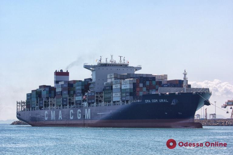 В Одессе медики проверят экипаж следующего из Китая контейнеровоза