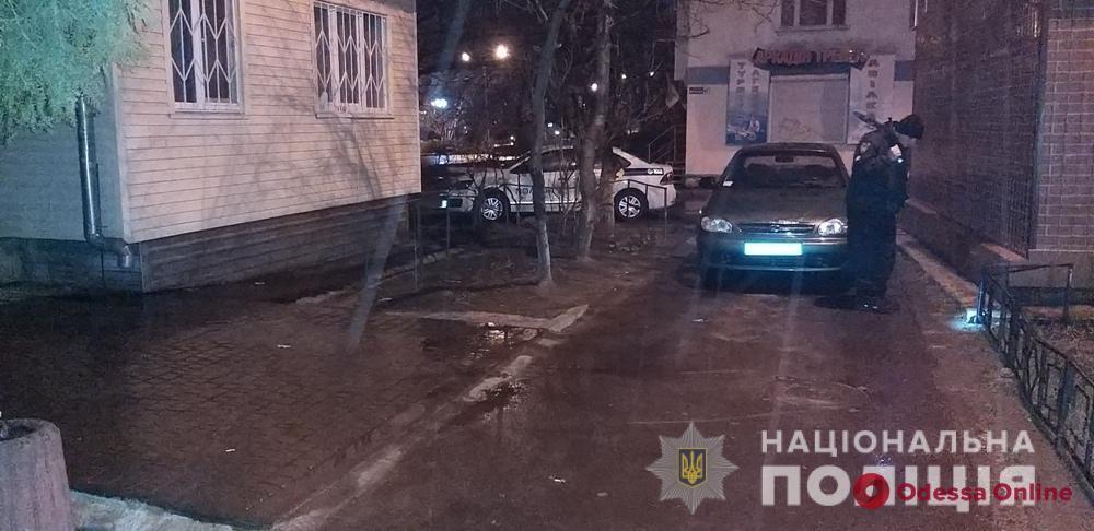 В Черноморске конфликт между мужчинами закончился стрельбой