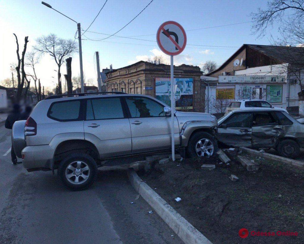 В Измаиле ВАЗ столкнулся с Toyota Prado (фото)