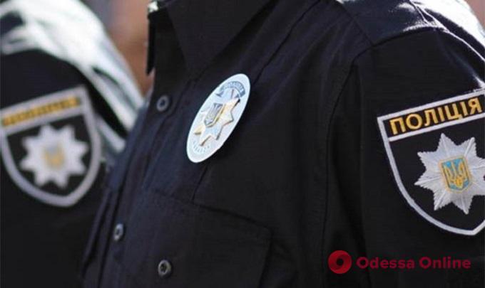 В Одессе пьяный парень набросился на полицейскую из-за замечания