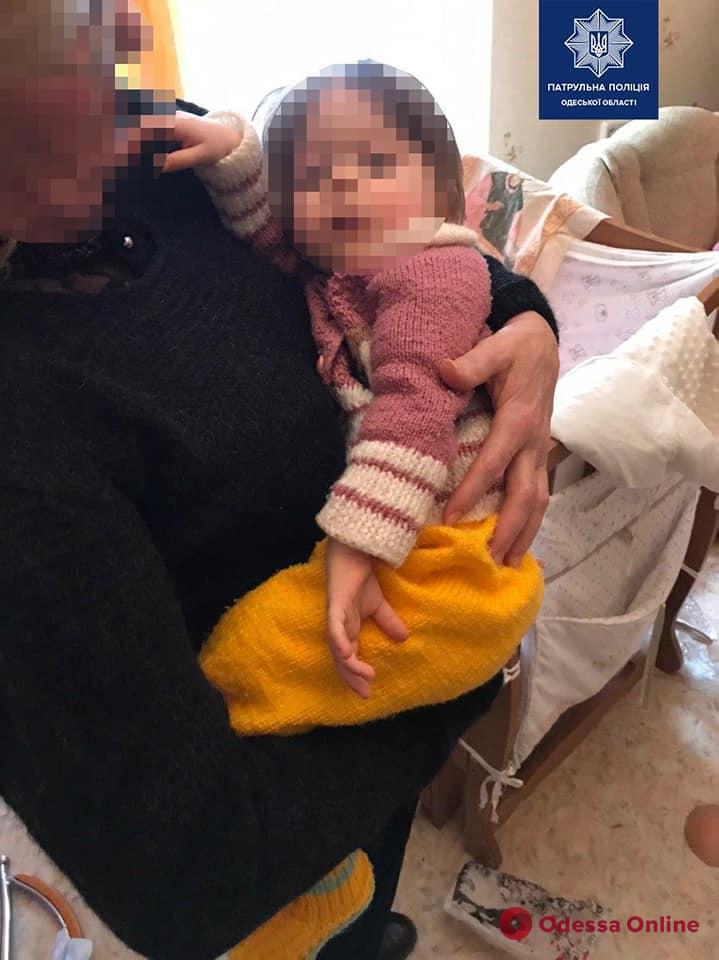 В Одессе неадекватная женщина пыталась задушить годовалую дочь