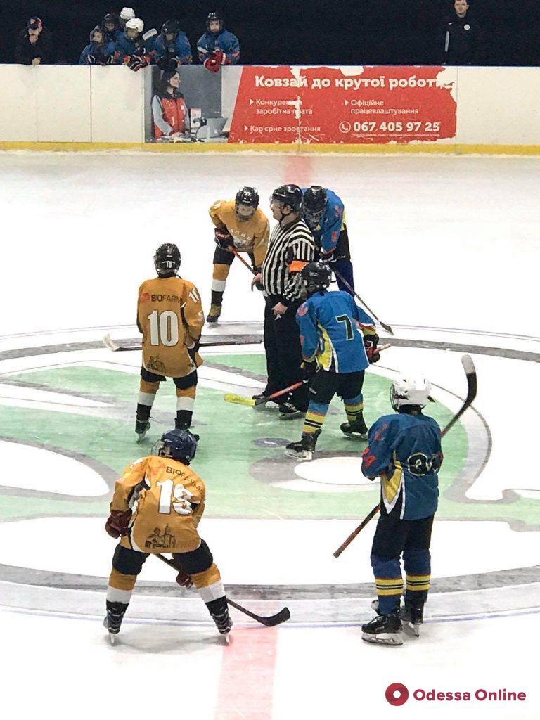 Хоккей: одесситы одержали две разгромные победы в рамках всеукраинского турнира