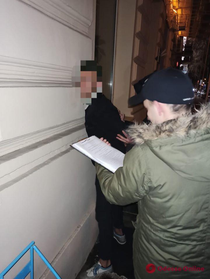 В Одессе СБУ задержала поджигателя авто львовских журналистов (видео)