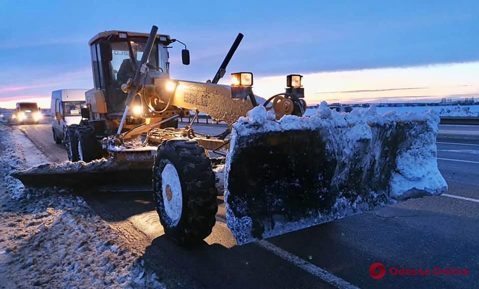 Движение транспорта на автодорогах Одесской области полностью возобновлено