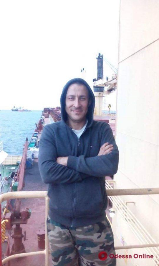 С борта судна в Персидском заливе пропал украинский моряк