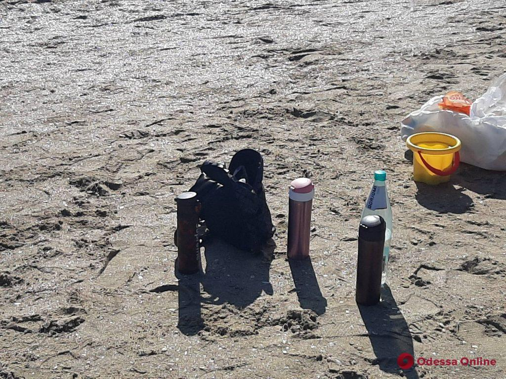 Пахнет весной и шашлыками: солнечный воскресный день в Лузановке (фоторепортаж)