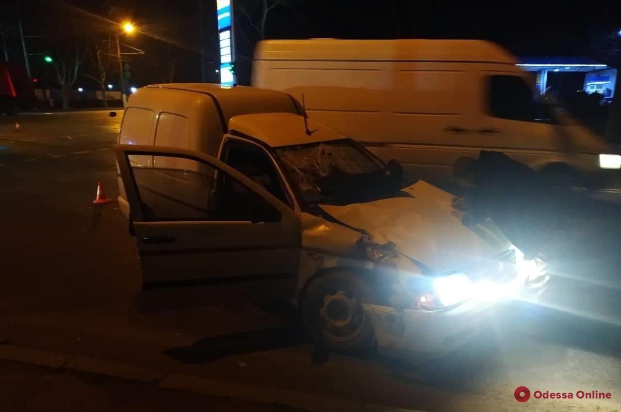 В ДТП возле одесского аэропорта пострадал мотоциклист