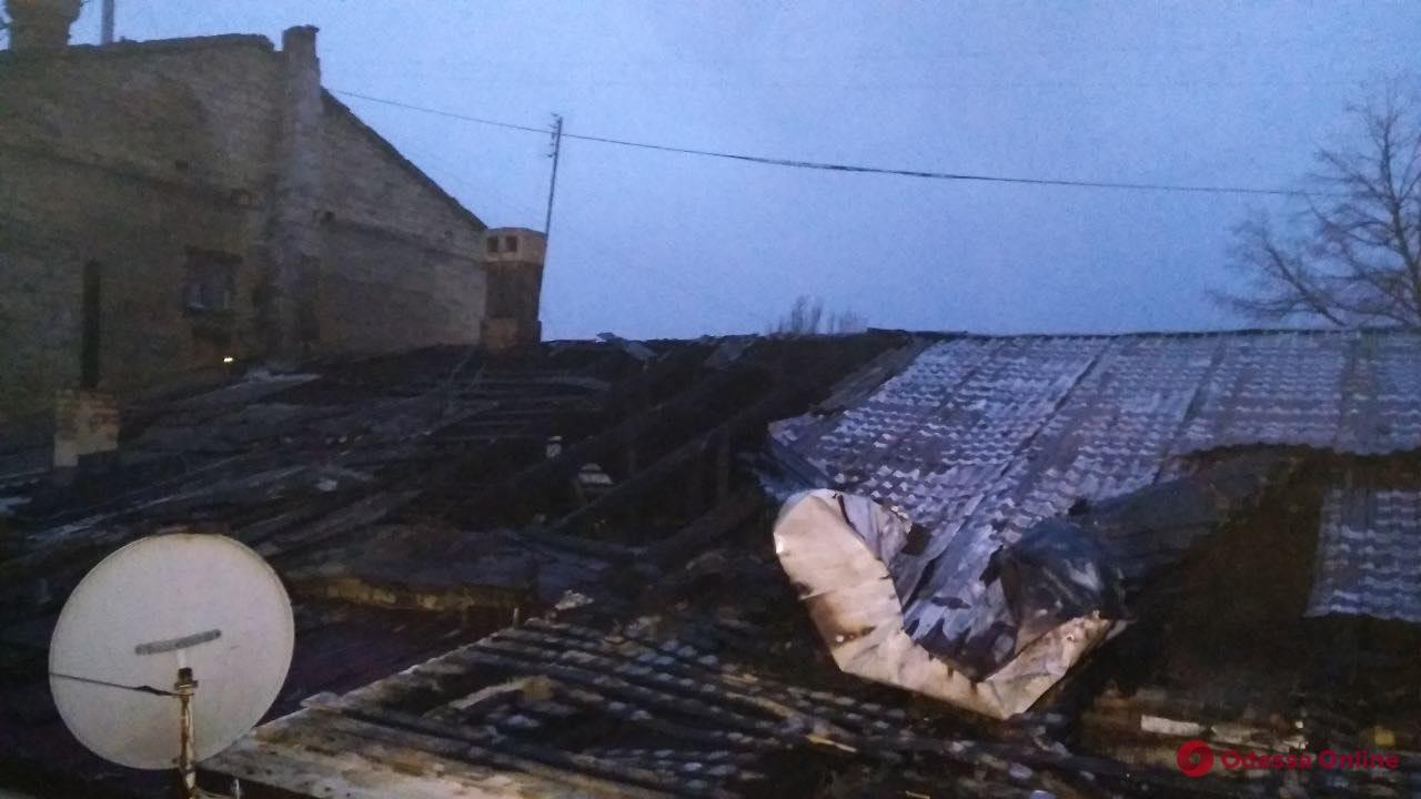 На Дальницкой тушили пожар в жилом доме