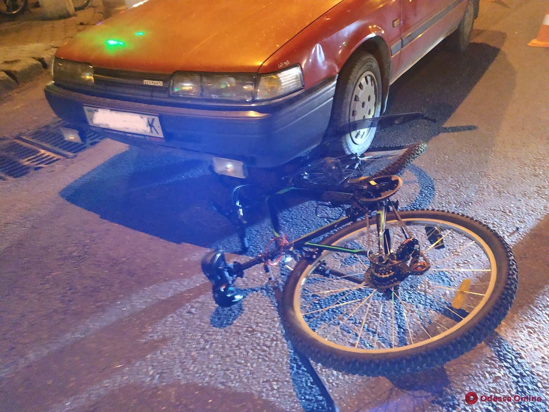 Одесса: на Фонтане сбили велосипедиста (фото)