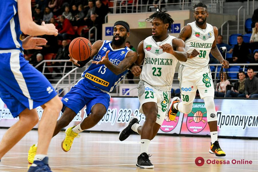 Баскетбол: «Одесса» побеждает в Запорожье, «Химик» уступает в Каменском