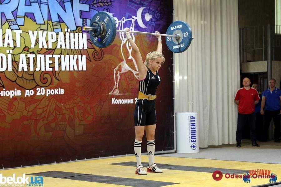 Четырнадцатилетняя тяжелоатлетка из Новой Долины завоевала медаль чемпионата Украины