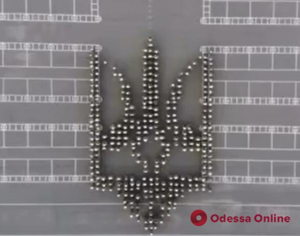 В Одессе курсанты Военной академии устроили необычный флешмоб (видео)