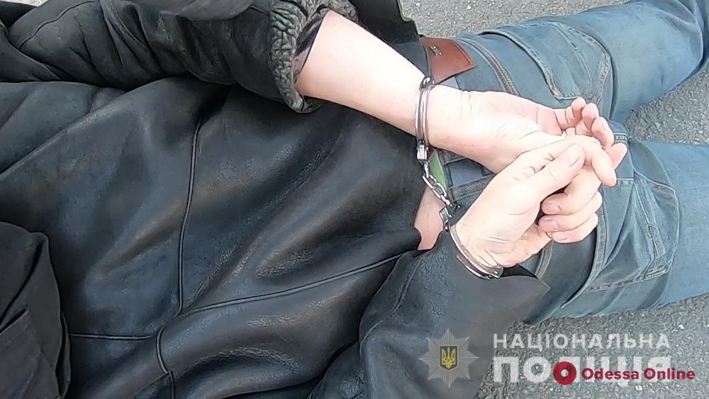 Вербовали в сексуальное рабство: в Одесском аэропорту задержали торговцев людьми (видео)