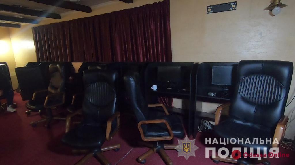 В центре Одессы «накрыли» очередное казино (фото, видео)