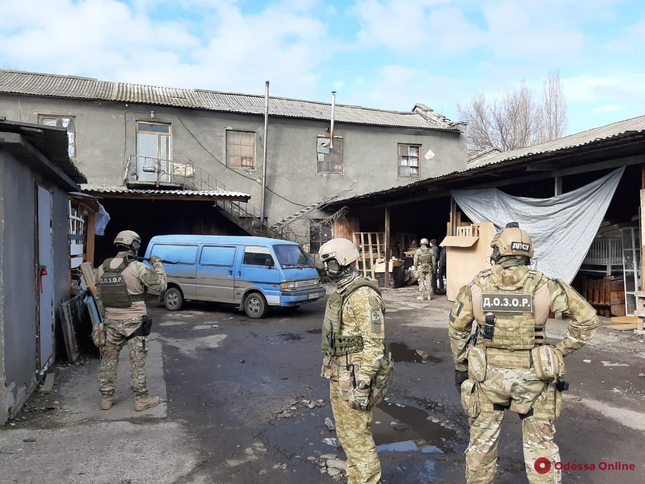 В Одесской области  раскрыли масштабную схему реализации «левых» сигарет  (фото, видео)