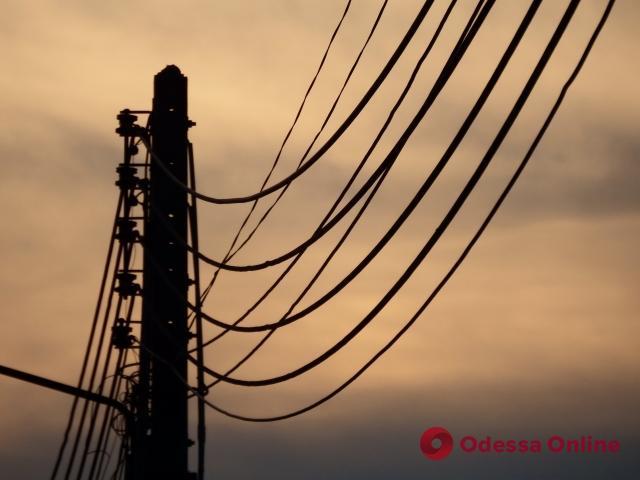 Последствия непогоды: в Одесской области 100 сел все еще остаются без света