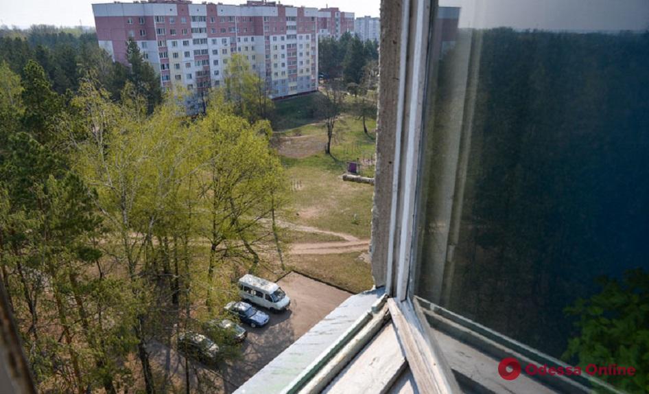 В Одессе мужчина выбросился из окна 9-го этажа