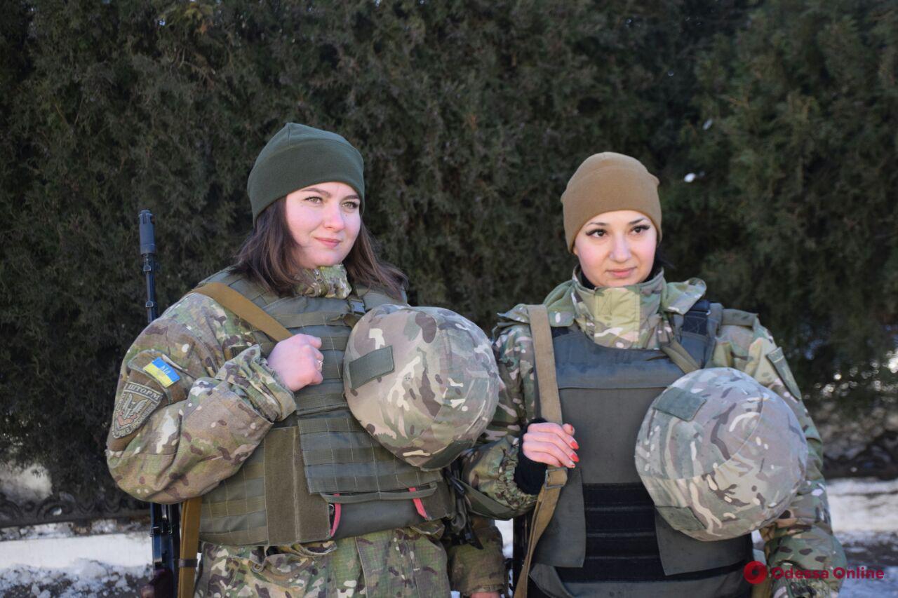 Одесские полицейские отправились на Донбасс. Фото