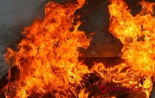 В Черноморске спасатели тушили пожар в кафе