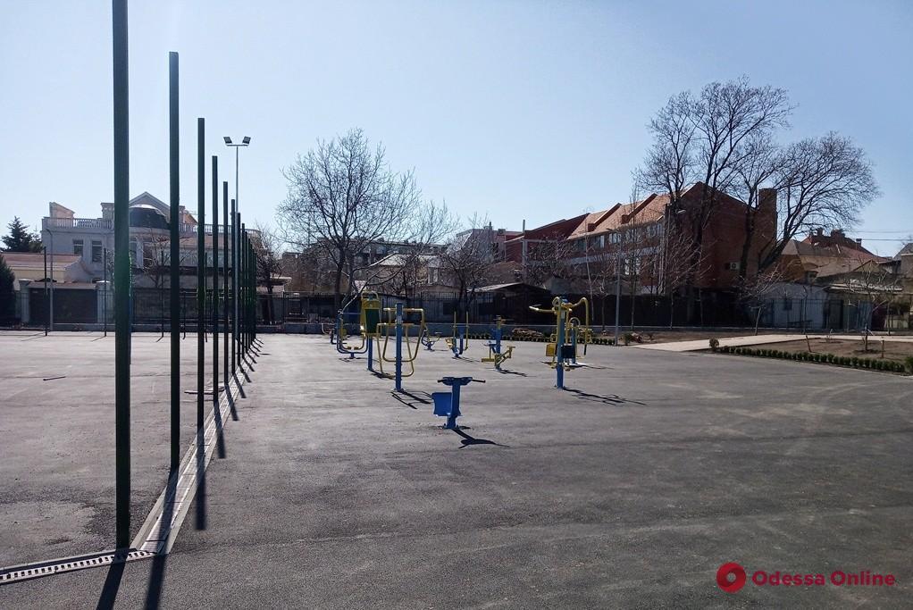 На 14-й станции Фонтана капитально ремонтируют школьный стадион (фото)