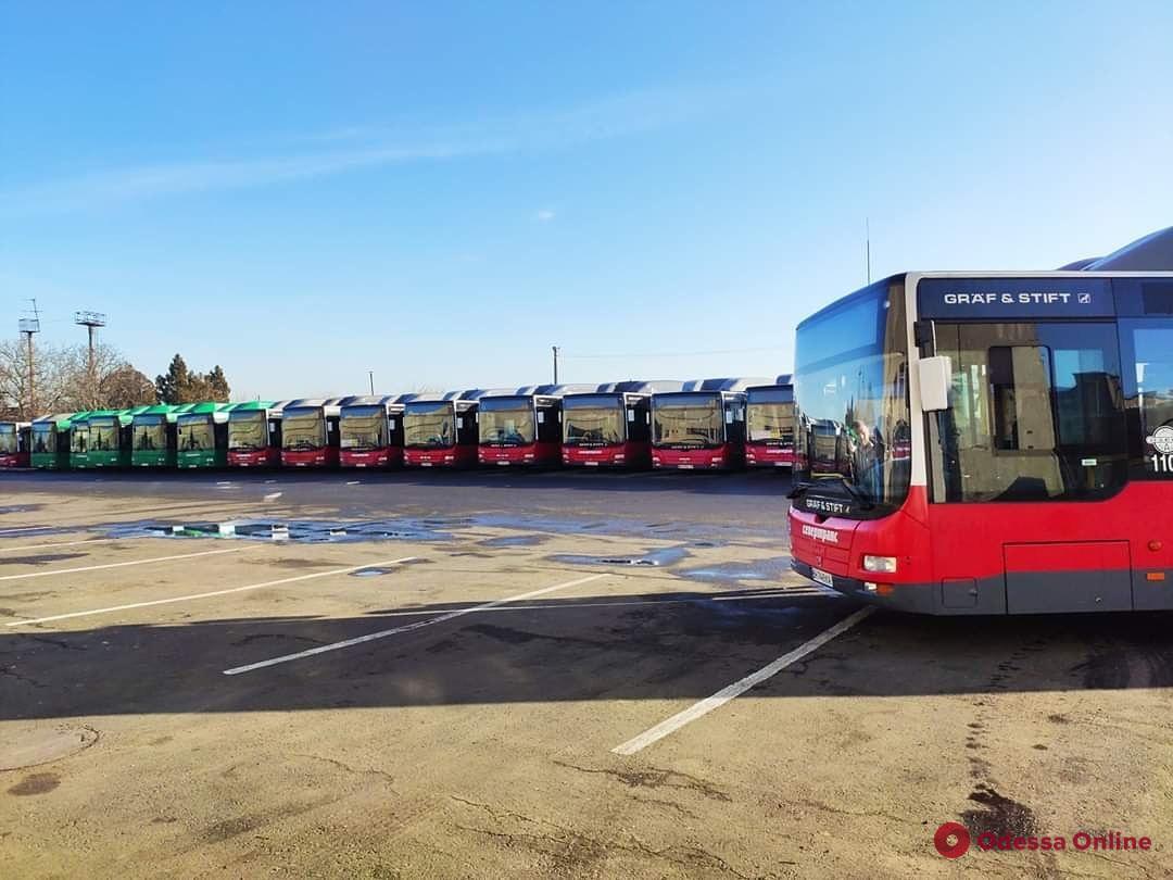 До 10 человек в маршрутке: в Одессе ограничили работу общественного транспорта