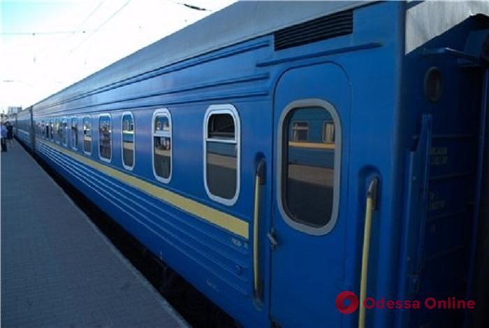 Из-за кражи железнодорожного кабеля в Одессу опоздали поезда и электрички