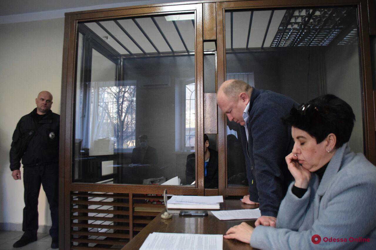Пытались ограбить банк: одесский суд отправил иностранцев в СИЗО