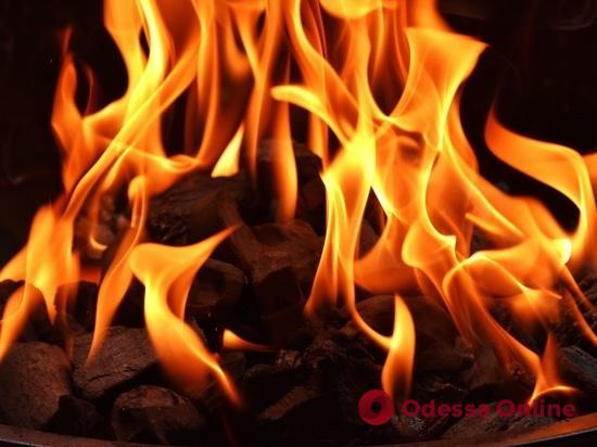 В Черноморске горели два грузовика