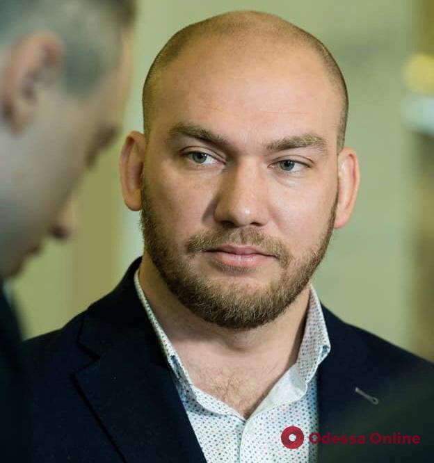 Нардеп Леонов направил в Минздрав запрос по поводу возможного закрытия клиники ОНМедУ