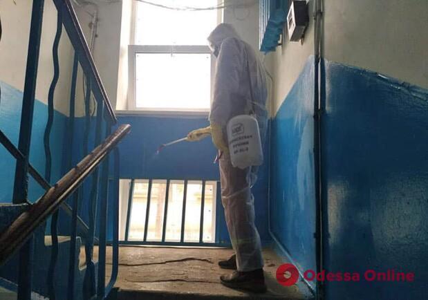 Фотосессия вместо дезинфекции: Дмитрий Жеман жестко отреагировал на «работу» некоторых коммунальщиков (видео)
