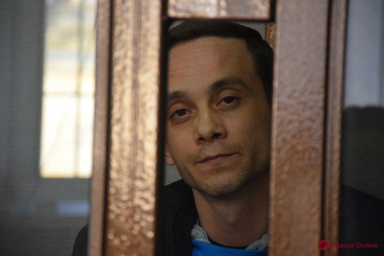 Угрожал взорвать гранату в суде: обвиняемого в убийстве могут отпустить под залог