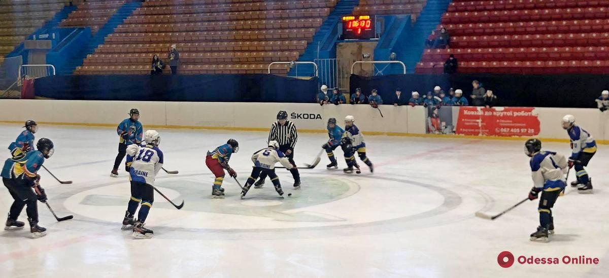 Одесские хоккеисты дважды обыграли харьковских