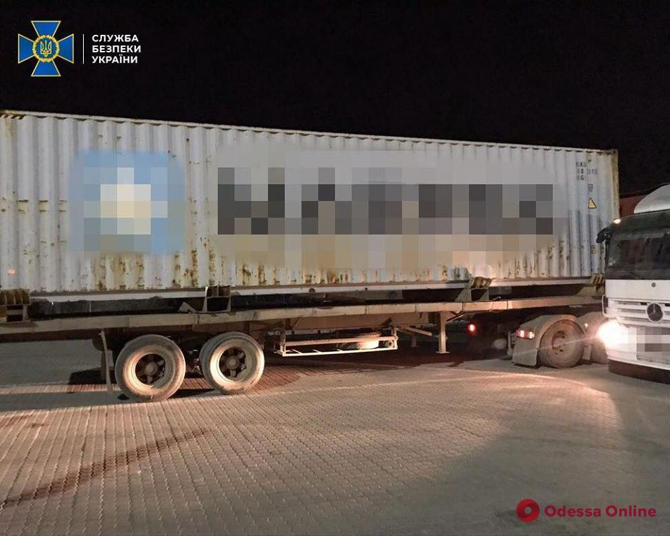 В порту «Южный» обнаружили партию кокаина на 90 миллионов (фото, видео)