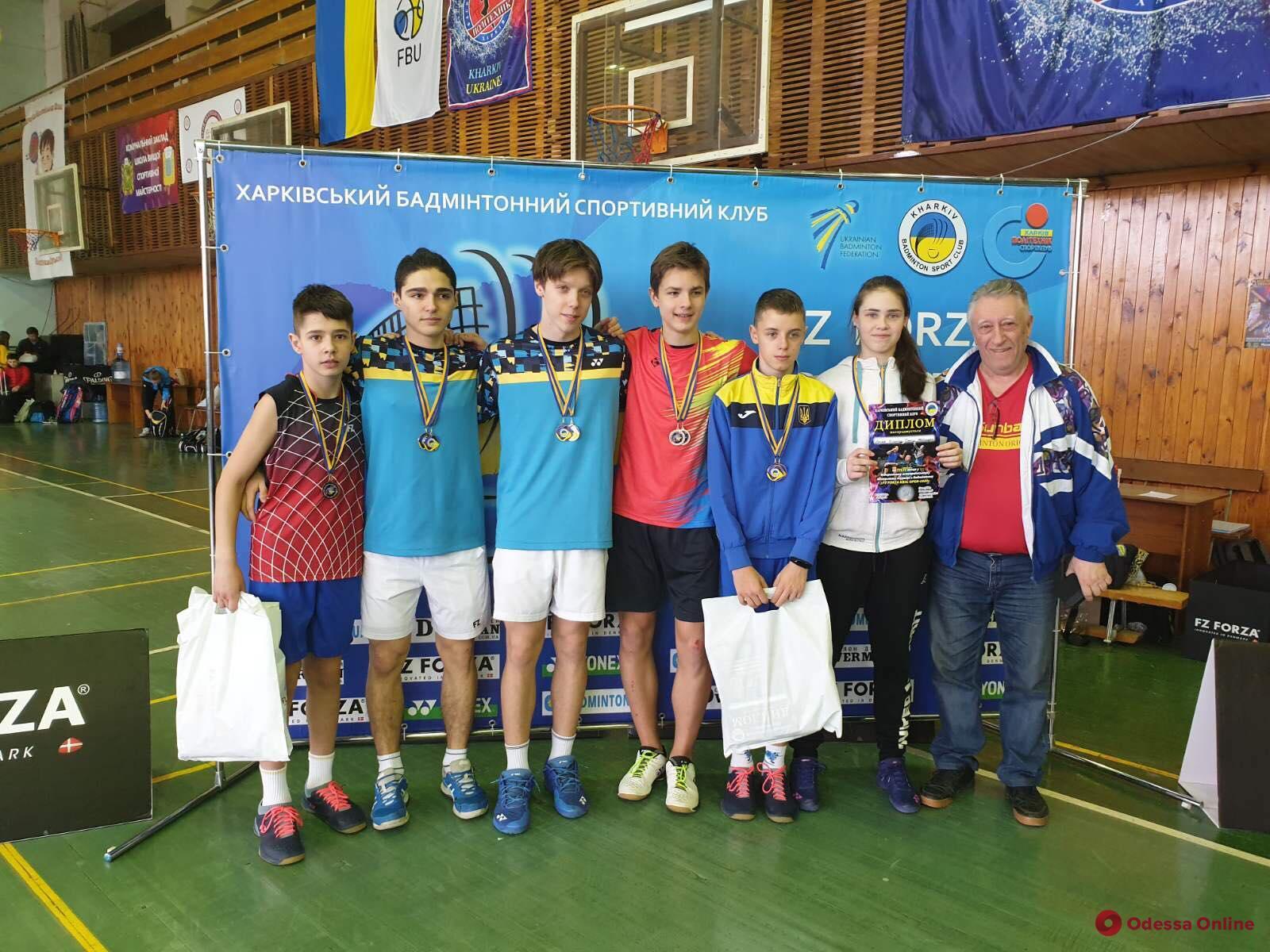 Бадминтон: одесситы успешно выступили во всеукраинском турнире в Харькове
